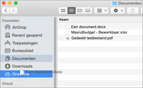 Venster van de Mac-Finder met slepen en neerzetten om bestanden te verplaatsen