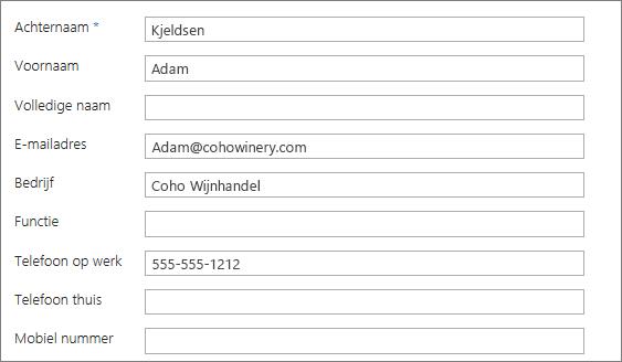 Voer informatie in op het contactpersoonformulier.