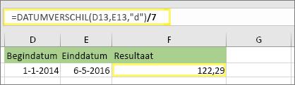 """= (Datum verschil (D13, E13, """"d"""")/7) en resultaat: 122,29"""