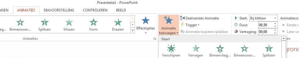 Klik op het tabblad Animaties op Animatie toevoegen en selecteer de animatie die u wilt toepassen.