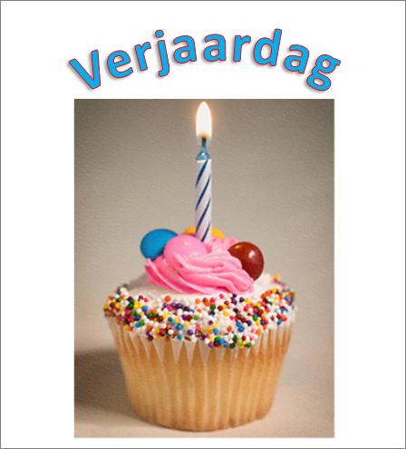 Voorbeeld van WordArt met de woorden Happy Birthday en een afbeelding