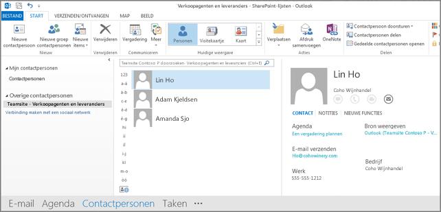 Schermafbeelding van de contactpersonen van uw teamsite wanneer deze worden weergegeven in Outlook