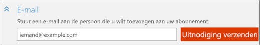 Close-up van de sectie e‑mail in het dialoogvenster Iemand toevoegen met de knop Uitnodiging verzenden.