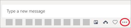 Voorbeeld waarin de apps Trello, SurveyMonkey en aangepaste stickers--drie apps met mogelijkheden voor berichtuitwisseling, zijn toegevoegd aan teams.