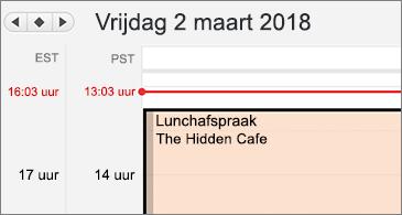 Close-upversie van agenda met twee verschillende tijdzones aan de linkerkant
