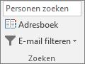 Kies op het tabblad Start in de groep Zoeken de optie Adresboek.