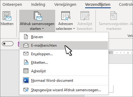 Afdruk samenvoegen starten met e-mailberichten geselecteerd