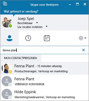 Schermafbeelding van het venster van Skype voor Bedrijven terwijl wordt gezocht naar een contactpersoon om deze toe te voegen.