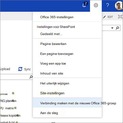 In deze afbeelding ziet u het tandwiel pictogrammenu en de optie verbinding maken met een nieuwe Office 365-groep.