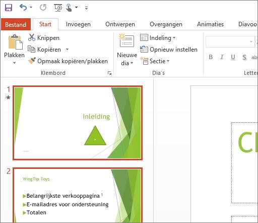 Geeft PowerPoint 2016 weer met het witte thema toegepast.