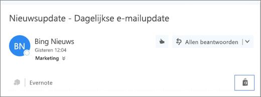 Schermafbeelding van een fragment uit het bovenste gedeelte van een e-mailbericht waarin het Store-pictogram is gemarkeerd. Wanneer u op het pictogram klikt, wordt het venster Invoegtoepassingen voor Outlook geopend, waarin u invoegtoepassingen kunt zoeken en installeren.