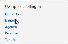 Schermafbeelding van de sectie Uw appinstellingen van Instellingen in Outlook Web App, waarin de cursor wijst naar de optie E-mail.
