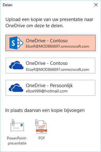 Als u dit nog niet hebt nog de presentatie naar OneDrive of SharePoint opgeslagen, wordt u gevraagd dat te doen.