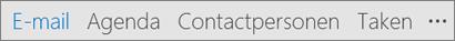Outlook-werkbalk Snelle toegang met weergave op naam van de knoppen E-mail, Agenda, Personen, Taken en Meer opties (de drie punten of ellipsen)