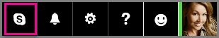 Klik op de navigatiebalk van Outlook op Skype.