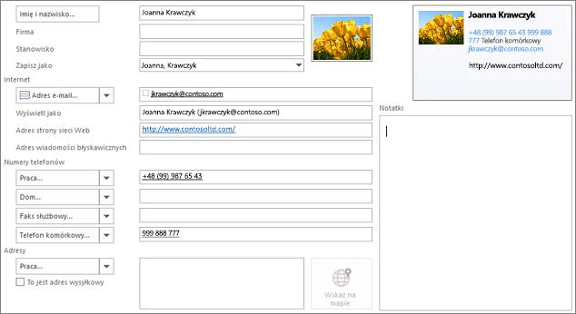 Częściowo wypełnione wizytówki programu Outlook
