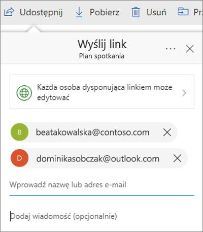 Okno dialogowe udostępniania plików w usłudze OneDrive z dodanymi adresami e-mail