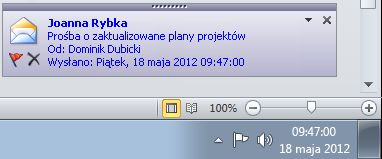 Alert programu Outlook na pulpicie