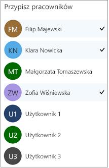 Pracownicy przypisani do usługi mają znacznik wyboru obok jego nazwy