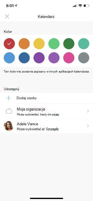 """Ekran urządzenia przenośnego z pozycją """"Kalendarz"""" u góry. Poniżej sekcji """"Udostępnianie"""" znajduje się kilka opcji oraz imię i nazwisko osoby, która została dodana."""