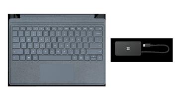 Surface z klawiaturą TypeCover i zdjęciem USB Travel Hub