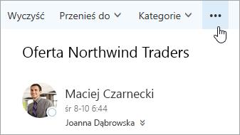 Zrzut ekranu przedstawiający przycisk Więcej poleceń na pasku menu programu Outlook.