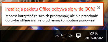 Okno dialogowe pokazuje, że instalacja pakietu Office zatrzymała się na etapie 90%