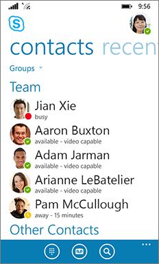 Nowy wygląd i działanie programu Skype dla firm dla systemu Windows Phone — okno główne