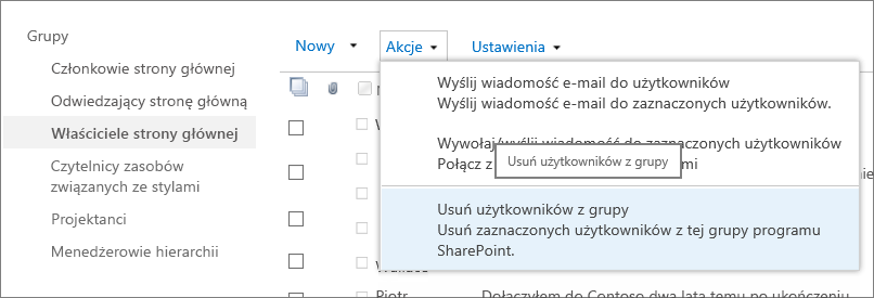 Widok paska Szybkie uruchamianie (z grupami) i otwartego menu Akcje z wybraną opcją Usuń użytkowników z grupy.