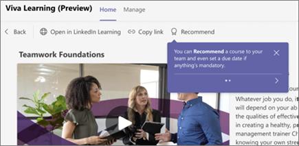 Ekrany instruktażowe są wyświetlane podczas pierwszej wizyty, aby zapewnić Ci wskazówki do pełnego wykorzystania możliwości aplikacji Viva Learning.