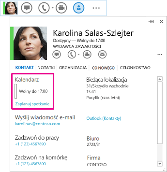 Zrzut ekranu przedstawiający pasek szybkiej komunikacji i wizytówkę kontaktu z wyróżnionym kalendarzem i pozycją Zaplanuj spotkanie.