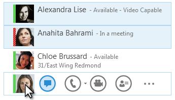 Captura de tela com os contatos e seus status exibidos e o ícone de IM realçado