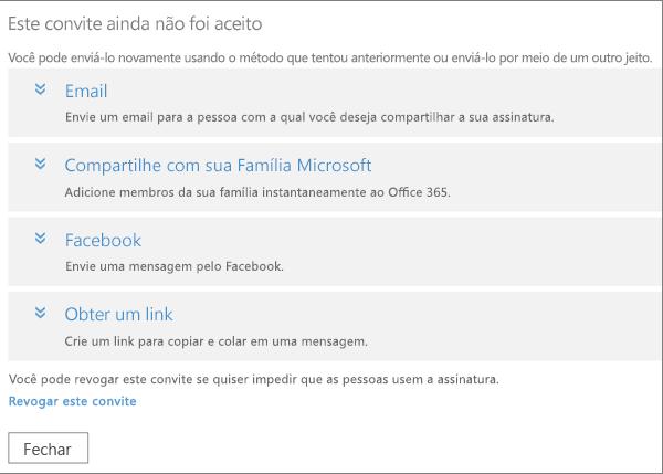A caixa de diálogo de um convite pendente com opções para enviar o link novamente por email, Família Microsoft, Facebook ou personalizar o link e link para revogar o convite.