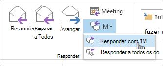 Responder grupo com menu suspenso de mensagem Instantânea aberto e responder com mensagem Instantânea realçada