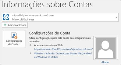 Captura de tela mostrando a página de informações da conta do Outlook no modo de exibição Backstage.