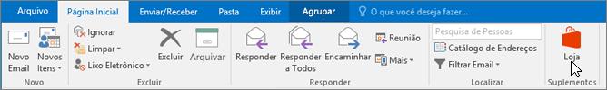 A captura de tela mostra a guia Página Inicial no Outlook, com o cursor apontando para o ícone da Loja no grupo Suplementos.