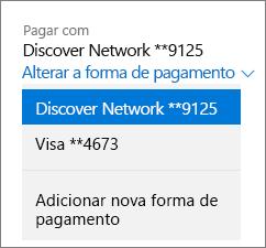 """Página Serviços e assinaturas, mostrando o menu suspenso """"Alterar sua forma de pagamento"""" de uma assinatura do Office 365 Home."""
