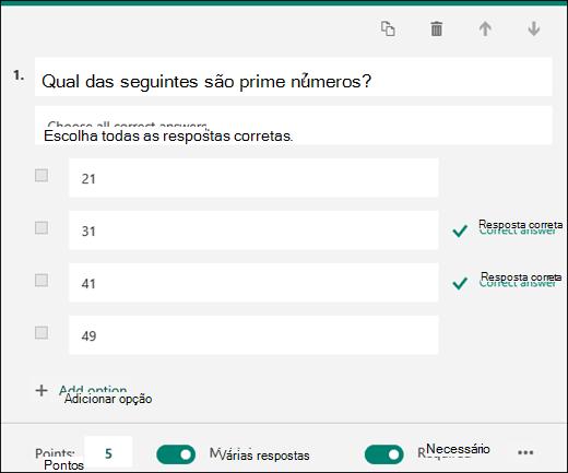 Uma pergunta de teste exibida com opções e com as respostas corretas marcadas.
