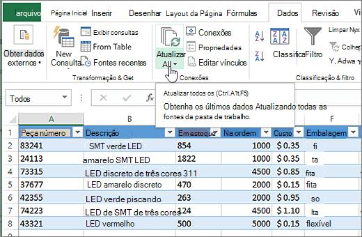 Planilha do Excel com lista importada e botão Atualizar Tudo realçada.