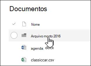 Biblioteca de documentos do SharePoint Online com pasta realçada