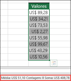 Captura de tela da seleção de um intervalo de células e da procura na Barra de Status