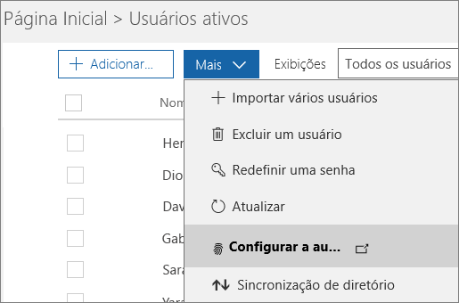 O menu Mais na página Usuários ativos com Configurar a autenticação multifator do Azure selecionado.