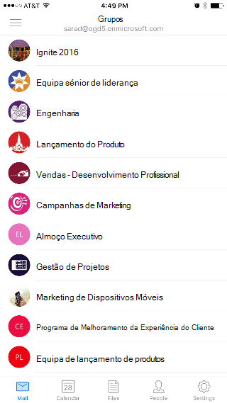 """Mostra o ecrã Grupos, com uma lista de grupos como """"Ingite 2016"""" e """"Equipa de Liderança Sénior""""."""