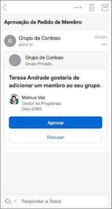Mensagem de e-mail com os botões aprovar e recusar