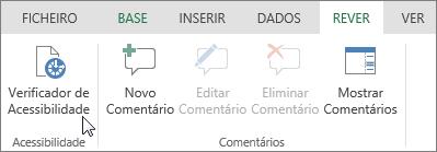 Captura de ecrã a mostrar o separador Rever com o cursor a apontar para a opção Verificador de Acessibilidade.