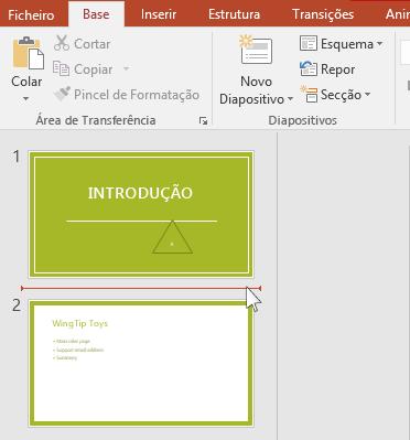 A linha horizontal vermelha indica onde o novo diapositivo ou diapositivos serão inseridos.