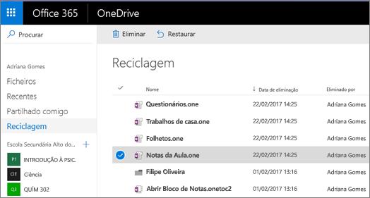 Reciclagem do OneDrive com uma lista das páginas de blocos de notas. Ícones para Eliminar e Restaurar.