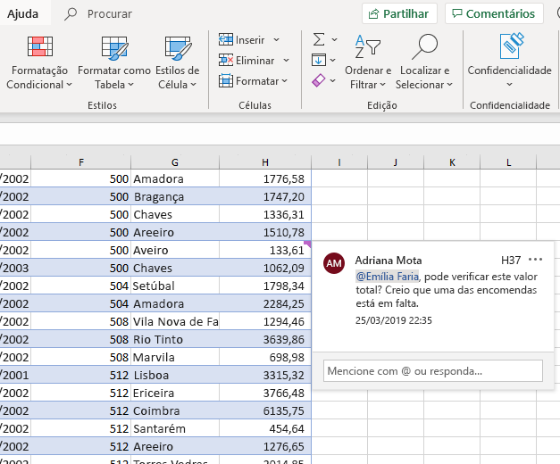 Captura de ecrã do processo de criação de um comentário no Excel