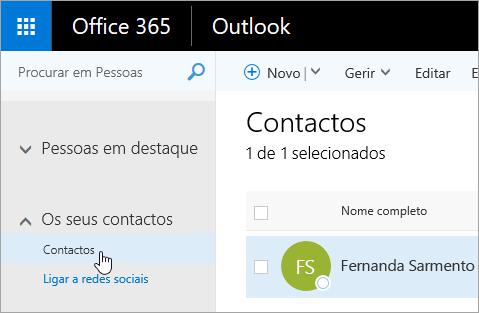 Uma captura de ecrã a mostrar o rato a pairar sobre o botão Contactos, na página Pessoas.
