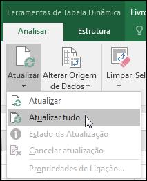 Atualize todas as Tabelas Dinâmicas a partir do Friso > Ferramentas de Tabela Dinâmica > Analisar > Dados, clique na seta por baixo do botão Atualizar e selecione Atualizar Tudo.